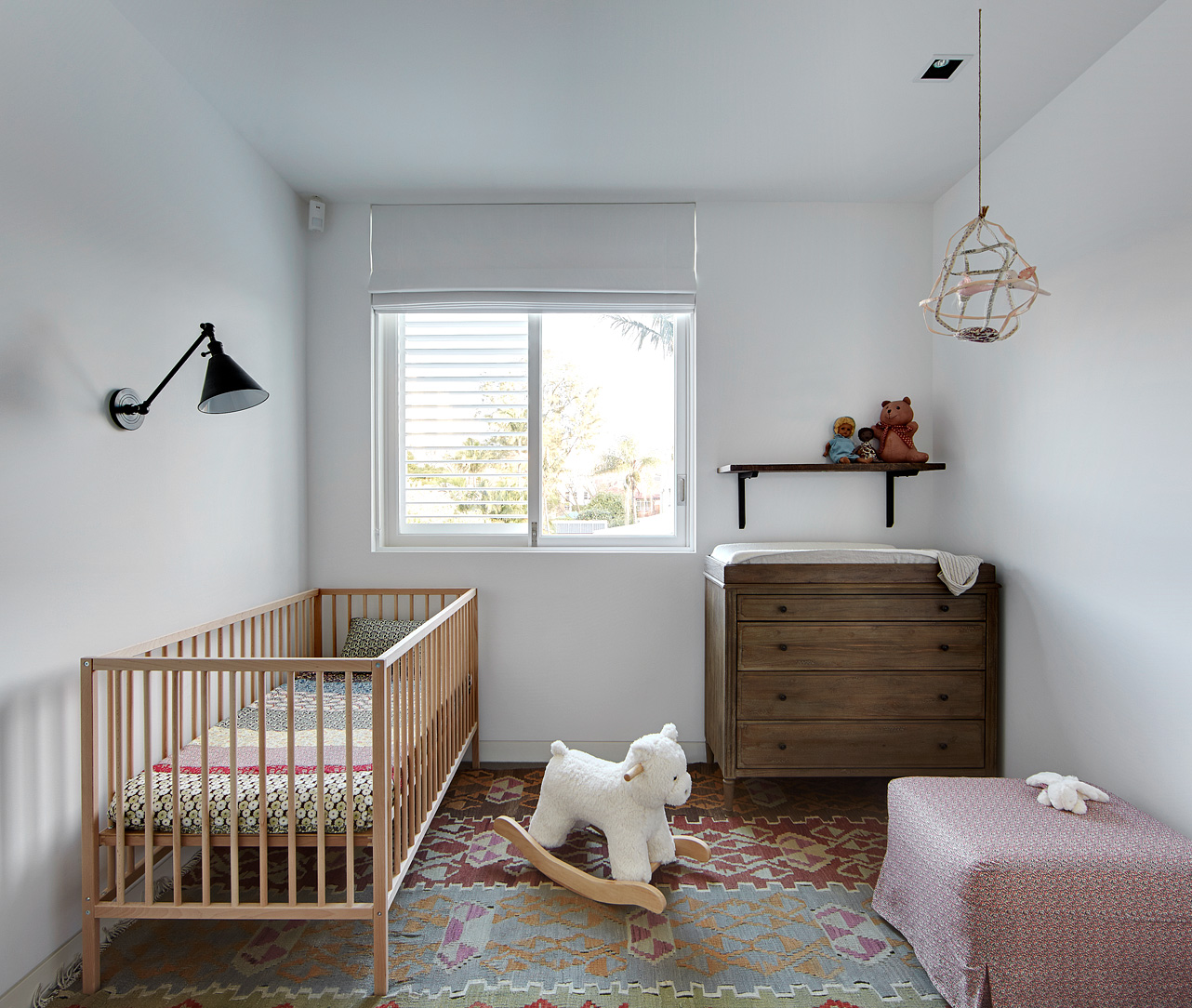 Nursery Décor For The Grown Ups: LEUCHTEND GRAU Interior-Magazin Celebrating Soft