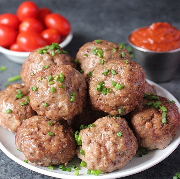 EASY OVEN BAKED PALEO MEATBALLS #healthy #diet