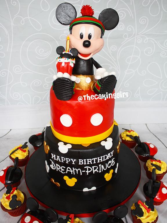 micky mouse fondant cake