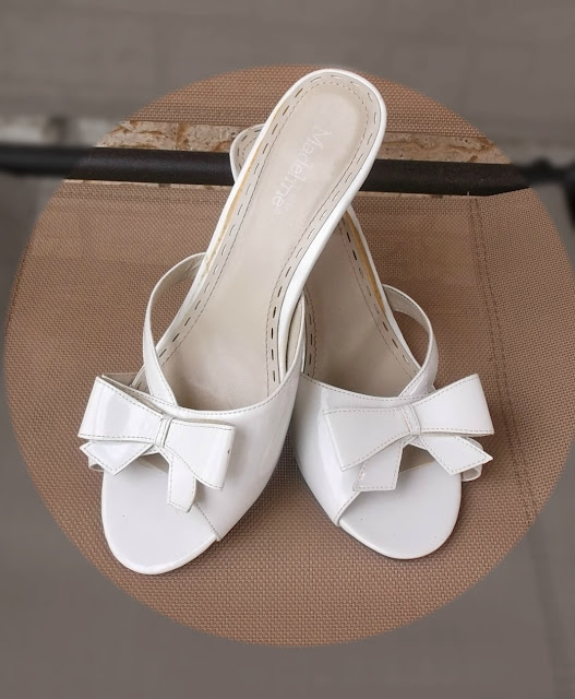 wedding bow-tie heels www.tipsyheelz.com