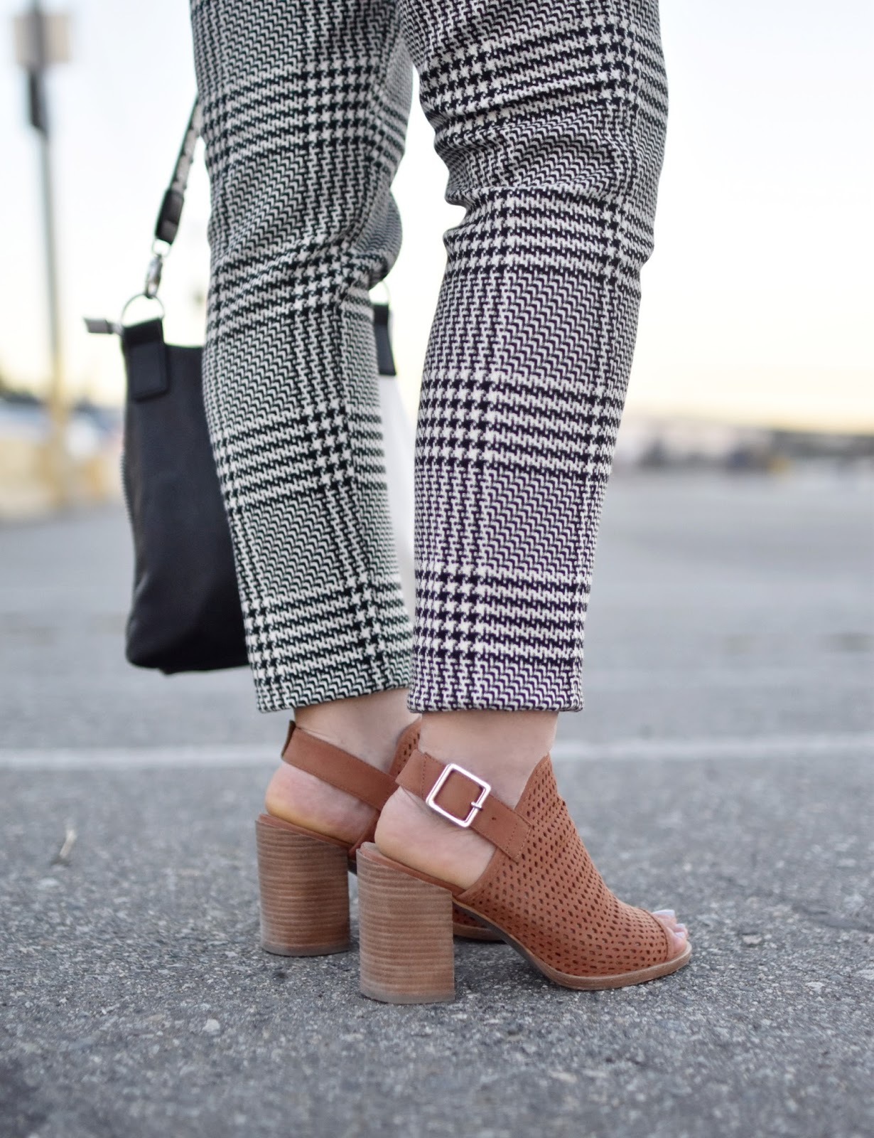 Monika Faulkner outfit inspiration - houndstooth trousers, cognac open-toe booties