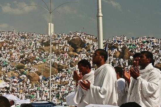 http://3.bp.blogspot.com/-2nDocbQIwes/UIg1Xc2sbTI/AAAAAAAADn0/XPrGV-Dx_-M/s640/Yawm-ul-Arafah+rahmanhatim93.blogspot.com.jpg