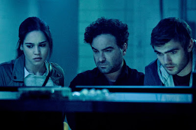 Johnny Galecki and Alex Roe in Rings (21)
