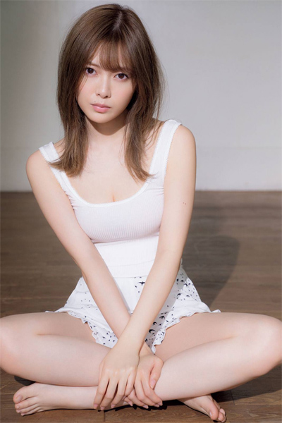 Shiraishi Mai 白石麻衣, FRIDAY WHITE 2019.01.14