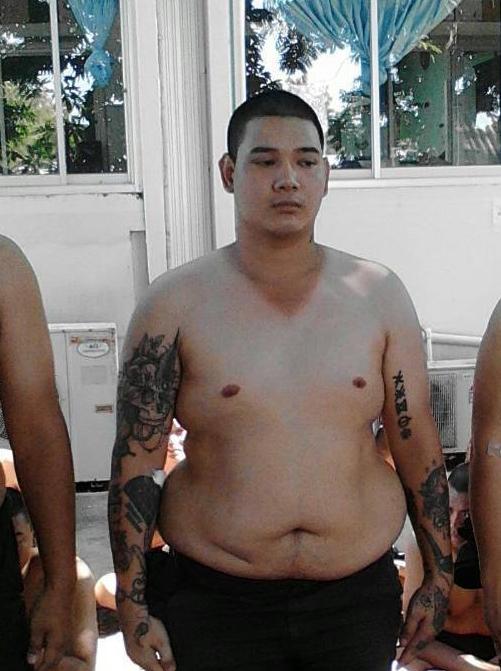 """เฟี๊ยวมาก! พ่อหนุ่มคนนี้ น้ำหนัก 100 กว่าโล""""หลังจากเกณฑ์ได้ใบแดง 3 เดือนแค่นั้นแหละกลายเป็นอีกคนไปแบบนี้เลย"""""""
