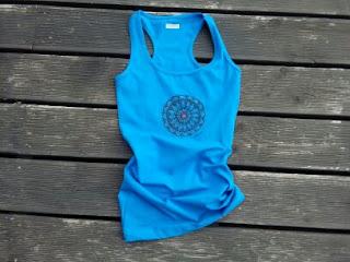 ręcznie malowana bluzka z mandalą niebieska