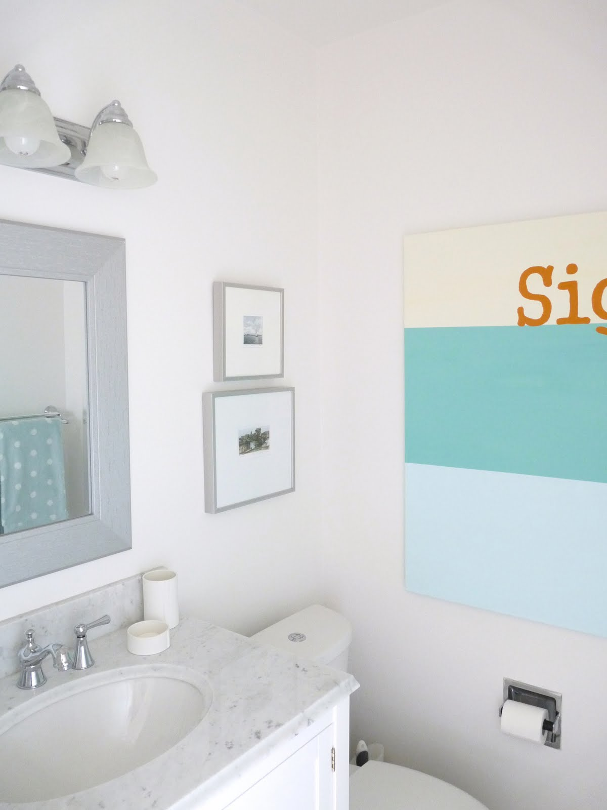 Grey white and mint bathroom // Marble counters