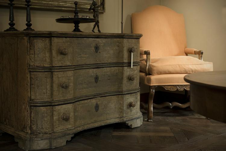 Dresser, wonderful patina, available Antiek Amber (be) as seen on linenandlavender.net - http://www.linenandlavender.net/2013/07/source-sharing-more-to-love-from-antiek.html