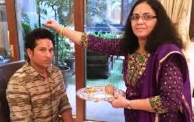 Rajni Tendulkar Family Husband Son Daughter Father Mother Age Height Biography Profile Wedding Photos