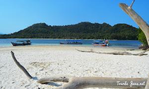 jelajah pulau dalam wisata pahawang teluk kiluan lampung