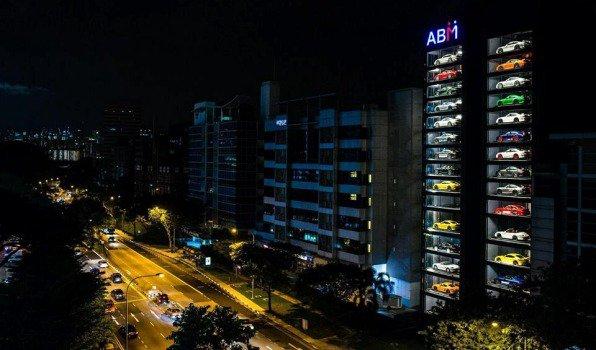 Autobahn Motors, la máquina expendedora de autos del mundo
