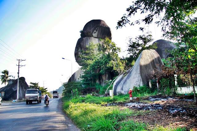 Dinh Quan-the Green Space near Saigon