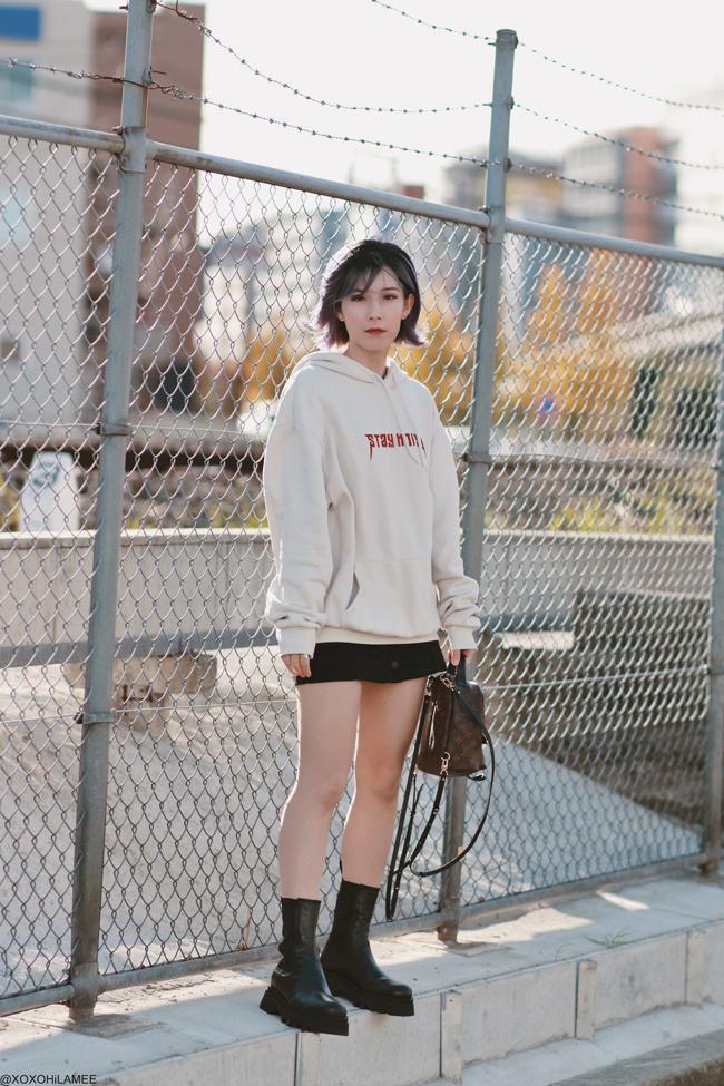 Japanese Fashion Blogger,MizuhoK,20191130OOTD, H&M= mens hoodie, forever21=black skirt, ZARA= boots, mini backpack=LOUIS VUITTON