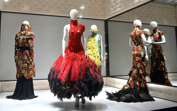 Alexander-McQueen-Savage-Beauty-Exhibition-London