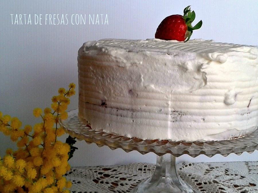 TARTA DE FRESAS CON NATA (crema de leche)