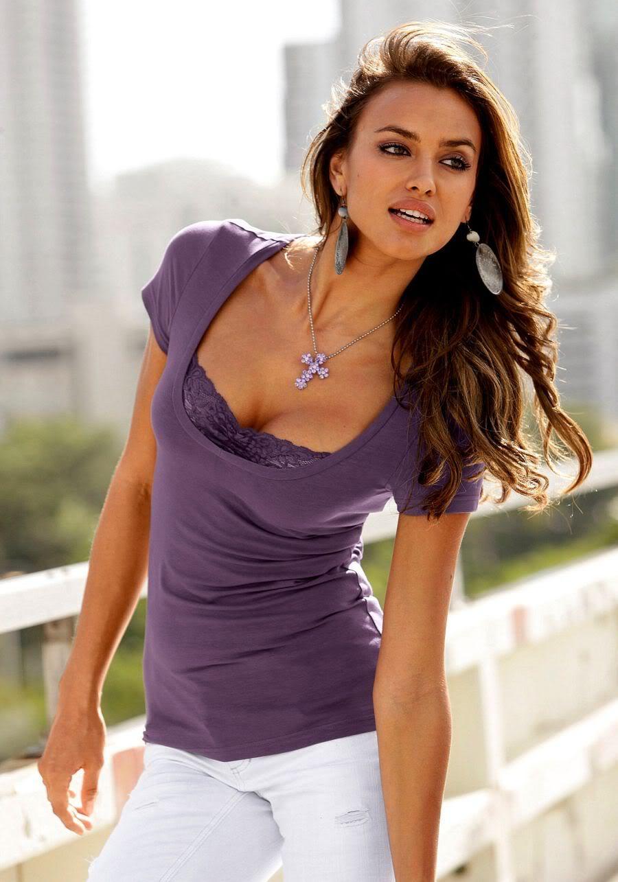 huge cleavage pics