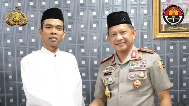 Diberi Pertanyaan Sulit oleh Jenderal Tito Karnavian, Ini Jawaban Mengesankan Ustaz Abdul Somad
