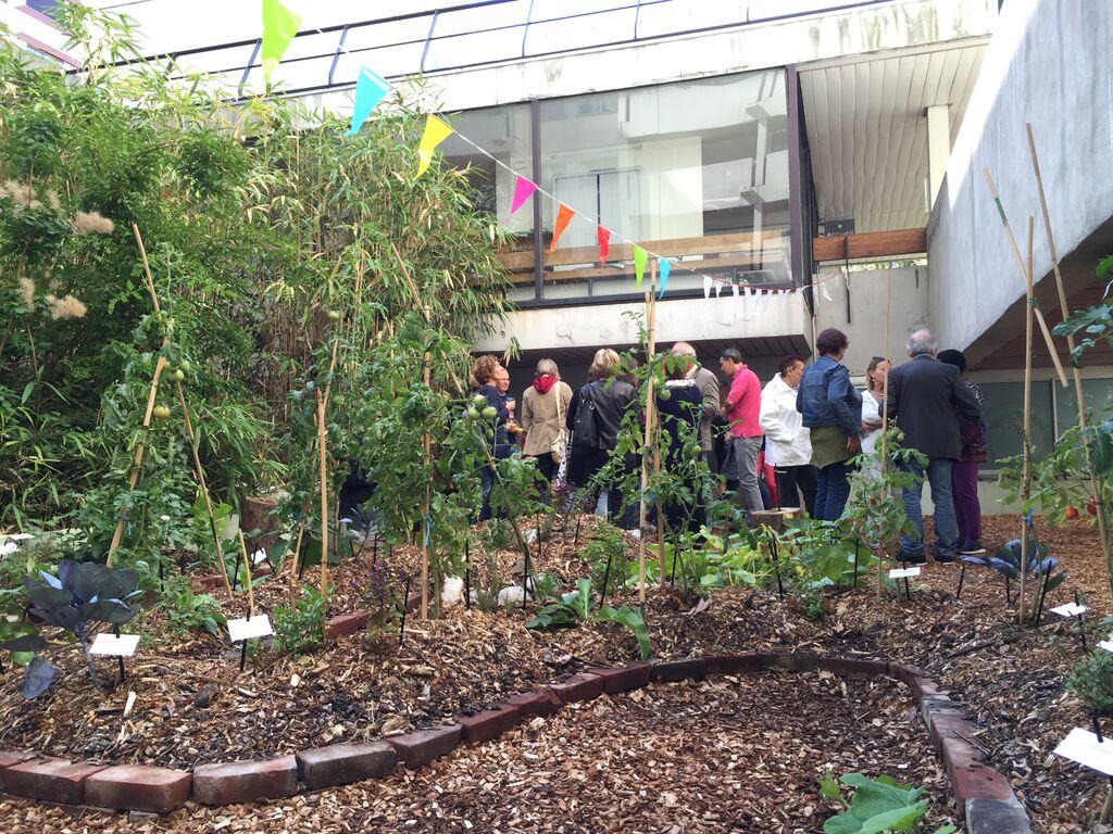 Jardin santerre 107 rue de reuilly paris for Cendre pour le jardin