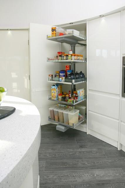 cocina-blanca-efecto-curvado-brookvalekitchens6