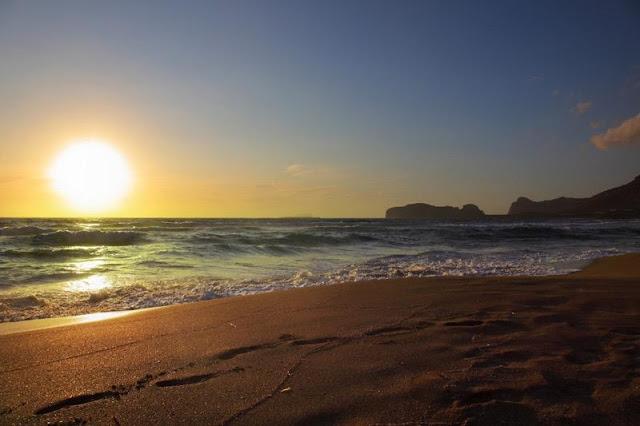 Pôr-do-sol na praia Falassarna, Creta