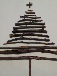 twig tree craft, kids crafts, Christmas crafts