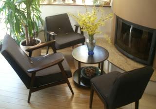 odnowiony fotela z PRL z fotelem model 366