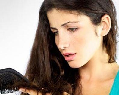 Jangan Tunggu Botak, Berikut 3 Cara Mengatasi Rambut Rontok pada Wanita