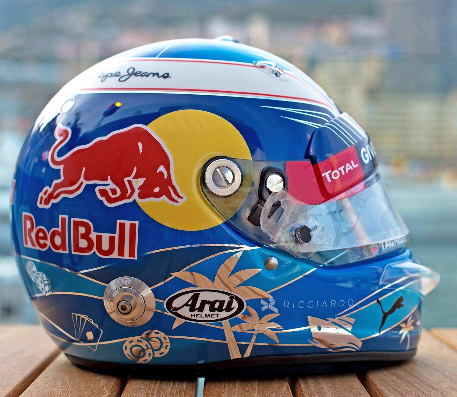 Helm 37 arai gp 6 d ricciardo monaco 2016 by jens munser for Helm design