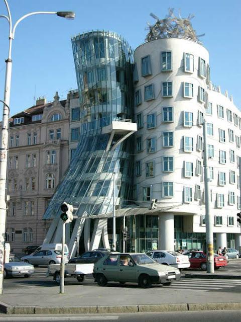 أجمل 20 مبنى من الزجاج  في العالم