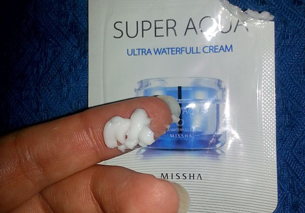 MISSHA-SUPER-AQUA-ULTRA-WATERFULL-CREAM-DETALLE