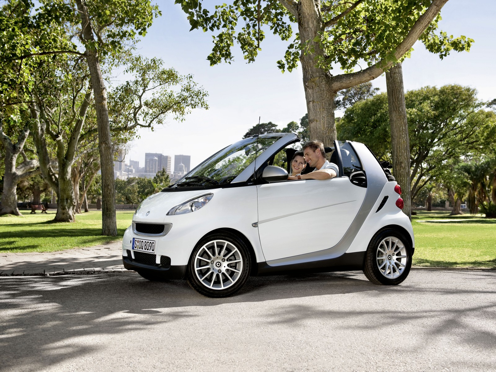2010 smart fortwo cabrio cdi wallpapers pictures. Black Bedroom Furniture Sets. Home Design Ideas