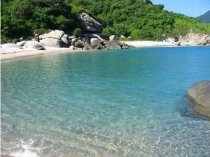 Playa nudista en Colombia, nudismo en Colombia