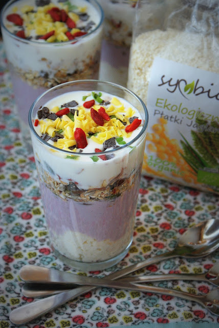 płatki jaglane,symbio,zdrowe śnaidanie, jaglanka,kasza jaglana,jogurt,jagody goji,musli,zdrowy start,buon giorno,colazione,mangiare sano