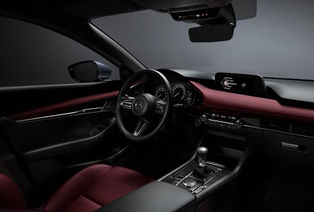マツダ 新型アクセラ(Mazda3)のインテリアの写真