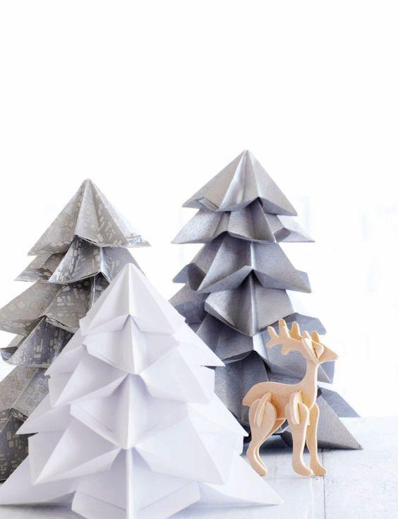 Árbol de Navidad hecho con papel