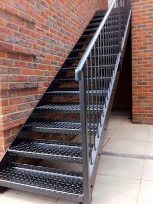 tangga besi wonosari