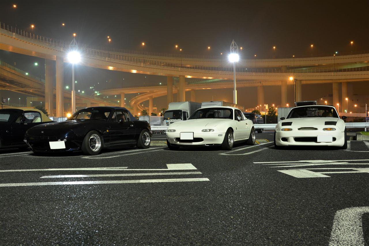 Mazda MX5, Miata, kultowy roadster, popularne samochody ze ściąganym dachem
