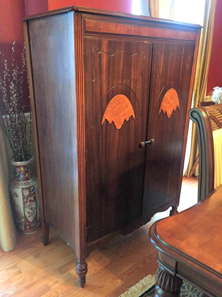 Antique chifferobe armoire