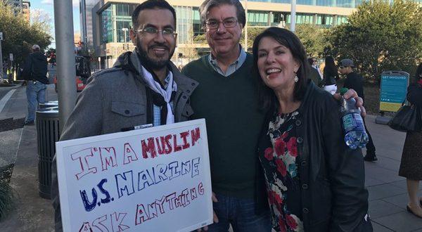 Tak Ingin Salah Persepsi, Pria Muslim Ini Keliling Amerika Dan Ajak Orang Bertanya Tentang Islam