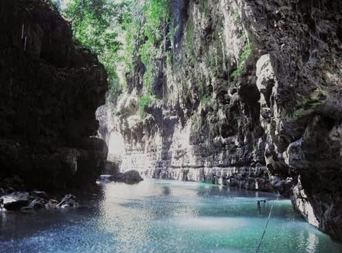 Cukang Taneuh atau Green Canyon merupakan salah satu Objek Wisata Cukang Taneuh Jawa Barat