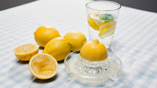 Cara Diet Alami Cepat Menjaga Berat Badan Dengan Air Lemon