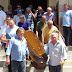 Corpo de pai de prefeito de Cajazeiras é sepultado em clima de comoção