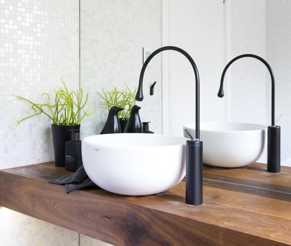 Minosa: Powder Room Come Main Bathroom Design
