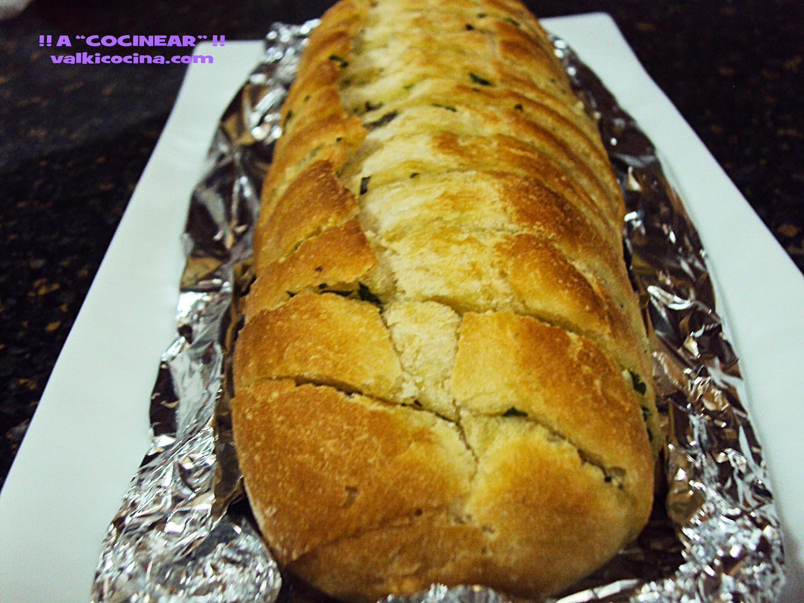 Pan de ajo con mantequilla de hierbas