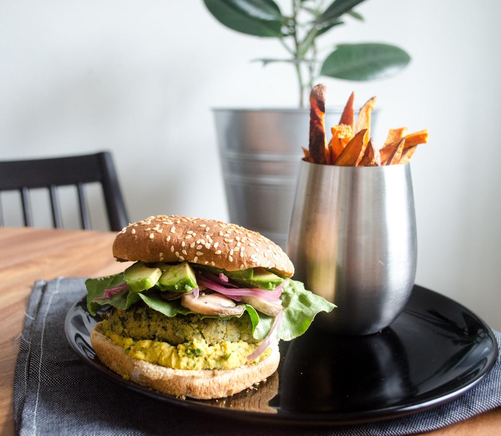 Curry/Chickpea/Kale Veggie Burgers + Baked Sweet Potato Fries