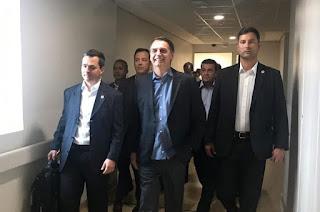 http://vnoticia.com.br/noticia/3480-bolsonaro-chega-a-brasilia-depois-de-ter-alta-hospitalar