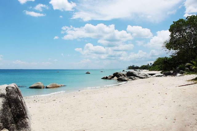 5 Pantai Paling Eksotis di Indonesia