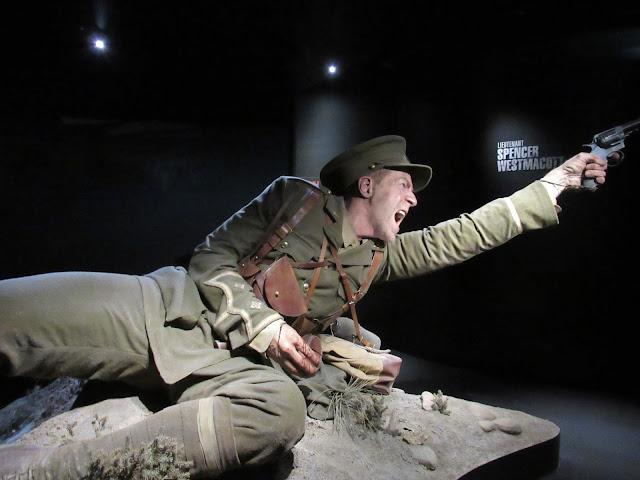 Figura hiperrealista creada por Weta Cave para la exposición sobre la batalla de Galípoli en el museo Te Papa