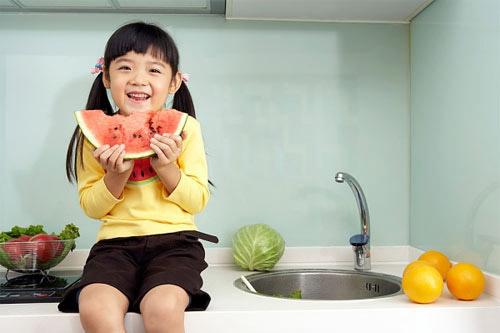 Nằm mơ thấy ăn uống cũng có nhiều hình ảnh về ăn hoa quả