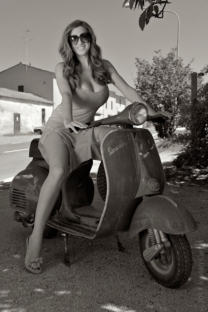 Jordan-Carver-vespa-motorcycle-photo-shoot-hd-1